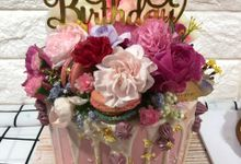 1 Tier Fresh Flowers Cake by FIOR FIORE Patisserie