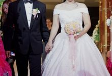 Mr & Mrs. Roy Hadi Saputra by Ventlee Groom Centre