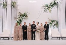 Wedding attire (mother/sister of the bride, kebaya akad, resepsi) by Diguci Design Studio