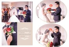 Together in same direction... by Gorgeous Bridal Jakarta