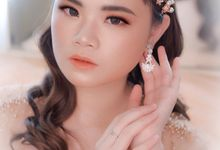 Flawless Bride Makeup In Gold by XAVIER Makeup