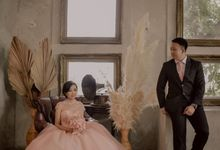 pre-wedding of Novi & Adhit by D BRIDE