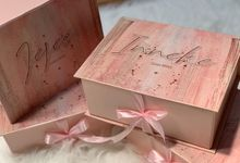 Bridesmaid Box with Customize Dress by Dilona Dress