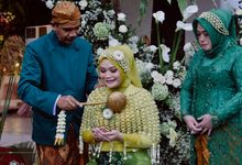 Outdoor Wedding Of Dinda & Aldi by Sonokembang Catering