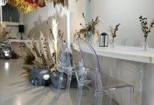 ACR Surabaya X Floratic Design by acrylicchairs.rent