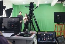 Live Streaming Double Cam for Virtual Entertainment by Metronom DJ
