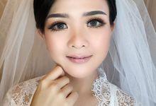 Mua by L E U R A Bride