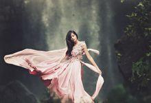 FLOWY DRESS IN THE WIND by natalia soetjipto