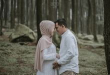 Maternity of Dwi Endah Part II by Alexo Pictures