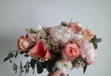Bridal Bouquets by Huahee