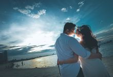 The Outdoor Prewedding of Ricky & Dessy by GoFotoVideo