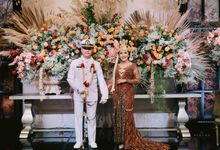 Shangrilla Hotel - Resepsi Pernikahan Anis - Dony by theSerenade Organizer