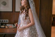 Intimate Holy Matrimony + bonus Bridal Styling by One Sweet Day Intimate