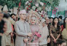 THE WEDDING OF RIESTA & DIKRA by alienco photography
