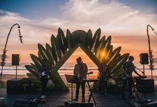 Contemporary archways and venue dressing by Make A Scene! Bali