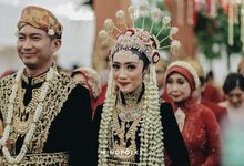 Madura  Wedding  Of Putri & Rio by  Menara Mandiri by IKK Wedding (ex. Plaza Bapindo)