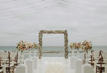 Mr. & Mrs.irons by Miracle Wedding Organizer