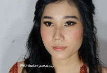 Graduation Ms.Fenecia by Nathalia Tjan Makeup