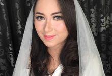 Modern wedding bridal by nisarosa_house