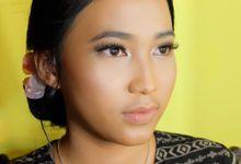 Bridesmaid and Sister Of The Bride Makeup by Sisi Lou Makeup Artist