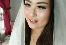Wedding Makeup by nisarosa_house