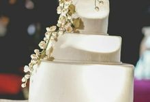 3 tier wedding cake for Happy and Kim by breadseason