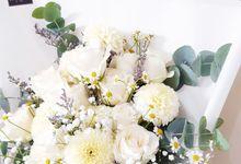 White and Beauty by Reine De Fleur