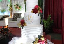 Small 3 Tier Wedding Cake by Liebelux Cake