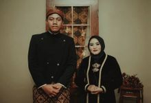 Traditional Prewedding Indoor by Vintageopera Slashwedding