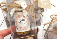 Honey & Clear Box+Personalised Label by Fine Souvenir