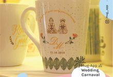 Mug V Wedding D&M by Mug-App Wedding Souvenir