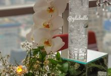 Fresh Flowers Table Decor by GLUBELLE