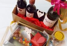 Wine Gift Sets by Megabites Chocolate