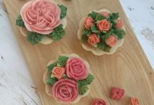 Soap design - Flower cupcake by The Rustic Soap