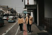 Nunu & Dadan Engagement by MOTOMU Photography
