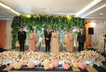 Sarah Wedding At Grand Pasific Hotel by Josh & Friends Entertainment