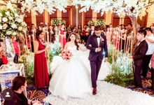 Kevin & Yeyen Wedding by Frisch Florist