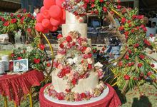 Light Gold And Red by Sugaria cake