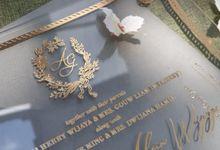 luxury wedding invitation by Invitation Papermint