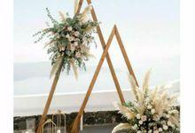 Dekorasi Lamaran by Deandra Wedding Planner