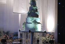 Elegance In Blue by Sugaria cake