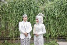 Wedding Of Debi & Zild - Sukulen Goni Pita by Greenbelle Souvenir