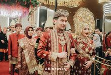 MINANG RECEPTION OF JULI & ANDRE by  Menara Mandiri by IKK Wedding (ex. Plaza Bapindo)