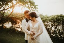 LUXURIOUS BALI CLIFF WEDDING by Bey Pribudi Entertainment