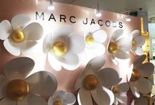 Marc Jacobs Daisy Photowall by Yours Fetefully