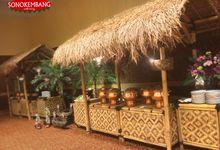 WEDDING OF DISSA & ADIMAS by Sonokembang Catering