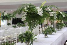 Wild Green Wedding by Charlotte Puxley Flowers