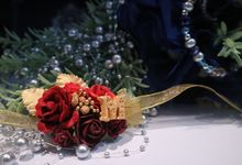 Boutonnieres & Hand Corsages by Art of ME