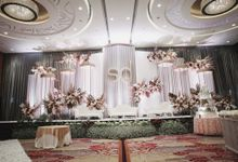 Various Wedding Stage Decoration at Skenoo Hall Emporium Pluit by Skenoo Hall Emporium Pluit by IKK Wedding
