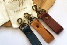 Andy & Wenny - Keychain by Rove Gift